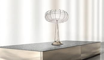 Moon lumetto, Lampada da tavolo dalle linee essenziali e minimaliste