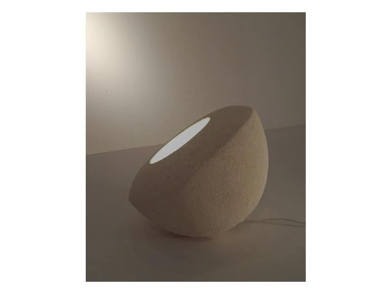 Oblo', Lampada da terra o da tavolo, in pietra scolpita