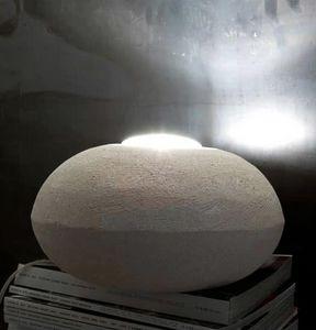 UFO 30, Lampada da terra in pietra, forma rotonda