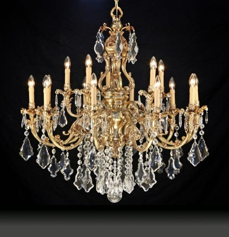 lampadario con pendenti in cristallo idfdesign