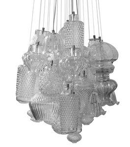 Ceraunavolta composizione 1, Lampadario componibile con diversi elementi in vetro trasparente