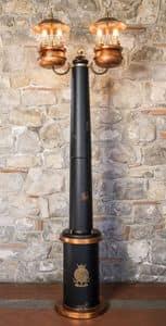 Art. SL 146, Lampione con tronco centrale in legno, stile classico