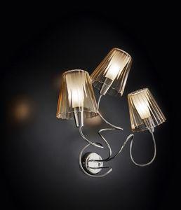 ARIA L 40, Lampada da muro con 3 paralumi in cristallo