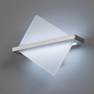 L8068, Lampada da parete dalle moderne geometrie