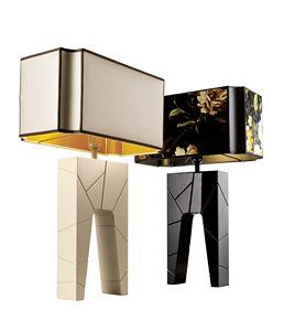 740302 Zarafa, Lampada da comodino con base in legno massello laccato