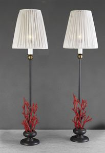 Art. 3017-01-73, Lampada da tavolo con coralli rossi decorativi