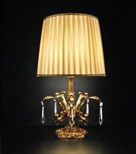 Art. 8100 P, Lampada da tavolo dallo stile classico con decorazioni artigianali