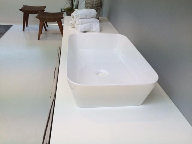 Color lavabo rettangolare, Lavabo dai bordi arrotondati