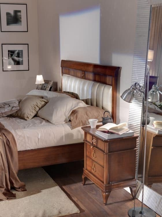 Art. CA726, Letto in legno con testata imbottita, per camere d'albergo