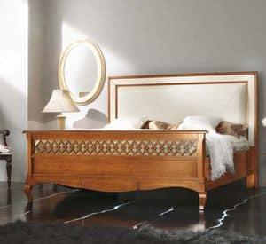 Art. H024 PERFORATED BED, Letto in legno imbottita, con pediera traforata