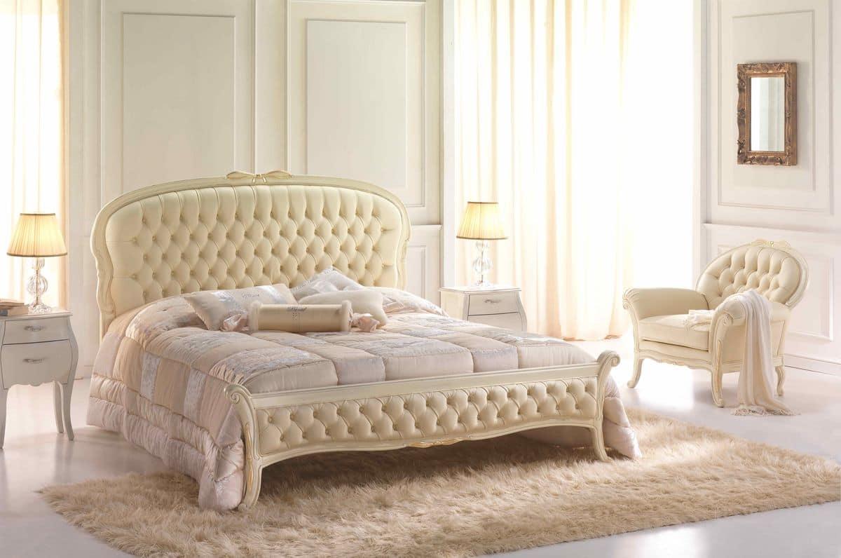 Letto matrimoniale in stile neoclassico testiera e pediera capitonn rivestito in pelle - Camere da letto in pelle ...