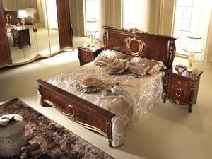 Donatello letto, Letto in stile neoclassico, sinuose pediera e testiera decorate a mano