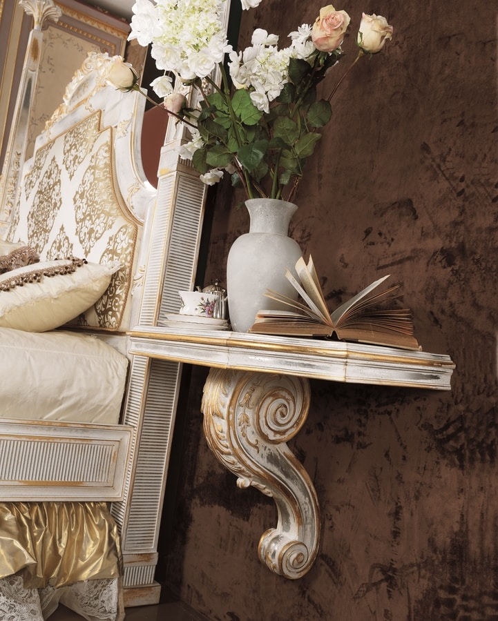Esimia colonne letto, Letto in stile classico con colonne