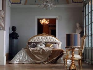 Giorgione letto, Letto rifinito a mano, capitonn�, decori foglia oro
