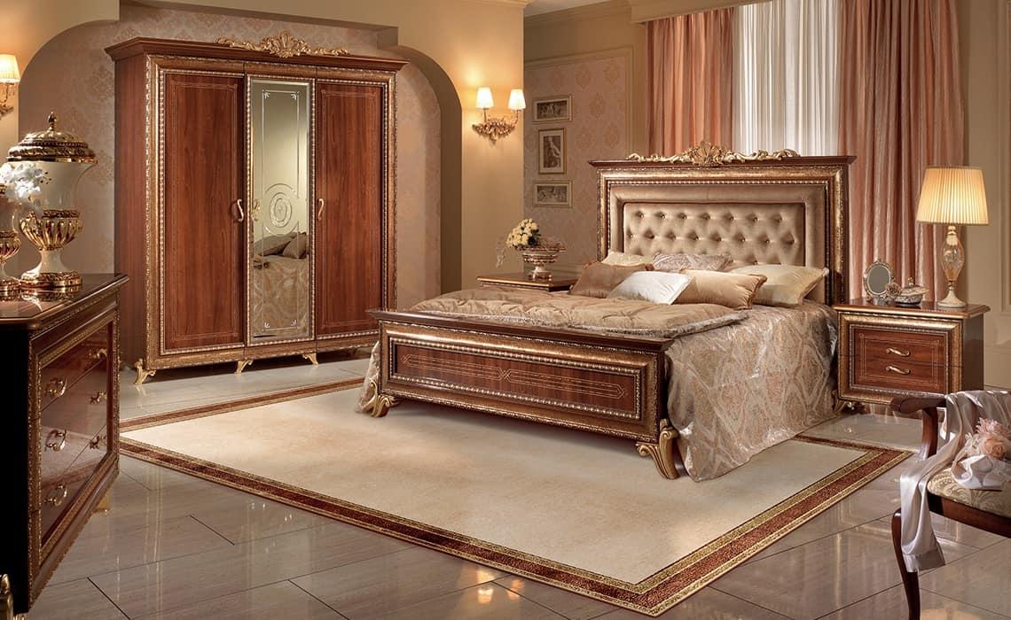 Letto Classico Testiera Decorata Rosita : Letto in noce con testata capitonnè stile regale idfdesign