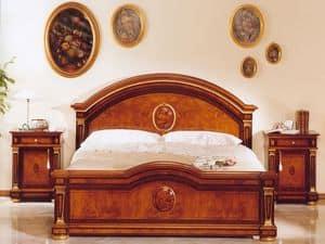 IMPERO / Letto matrimoniale, Letto matrimoniale classico di lusso in legno, per castelli