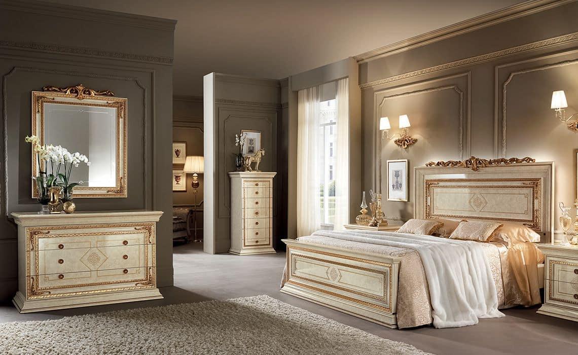 Camere da letto in stile classico color avorio con finiture color oro idfdesign - Camera da letto in stile ...