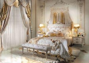 Perla, Letto matrimoniale classico di lusso in legno intagliato