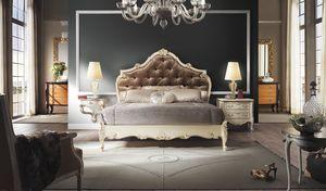 R67 / letto, Letto con preziose decorazioni artigianali