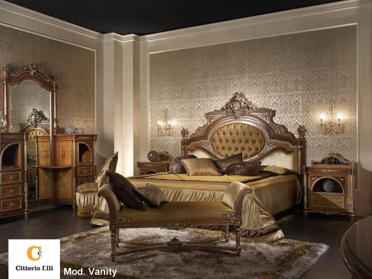 Camera da letto classica di lusso, letto in legno massello  IDFdesign