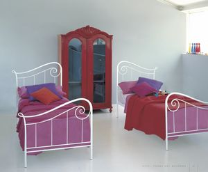 Holiday, Letto singolo in ferro decorato