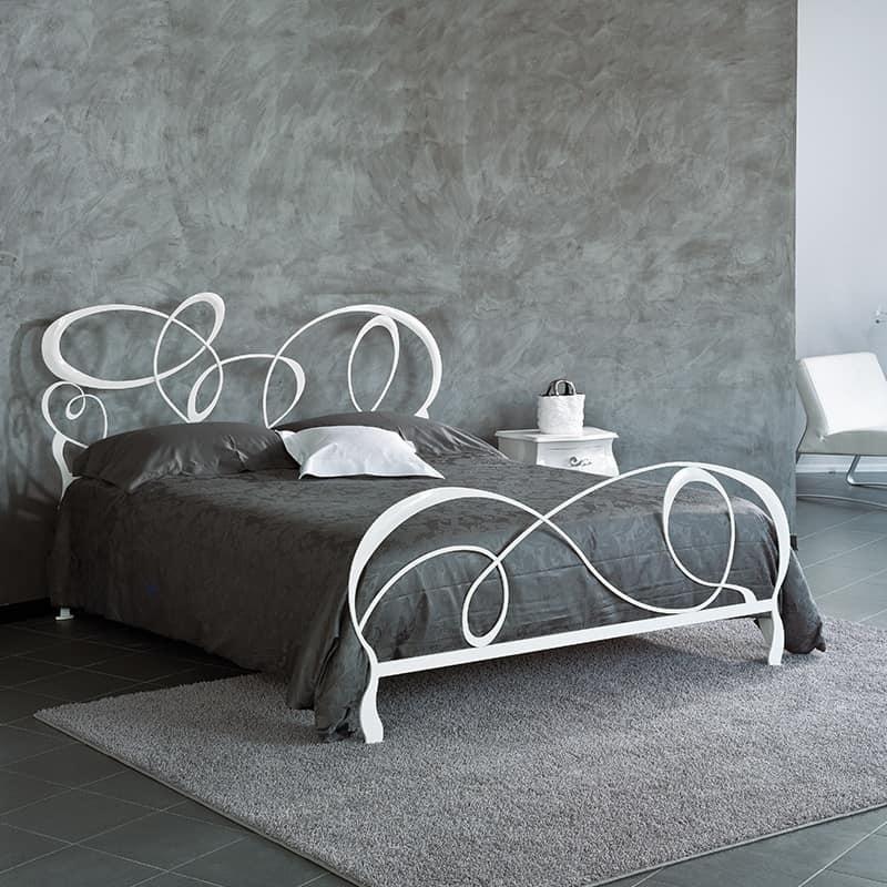 Letto matrimoniale in ferro battuto per hotel eleganti for Letto ferro battuto moderno
