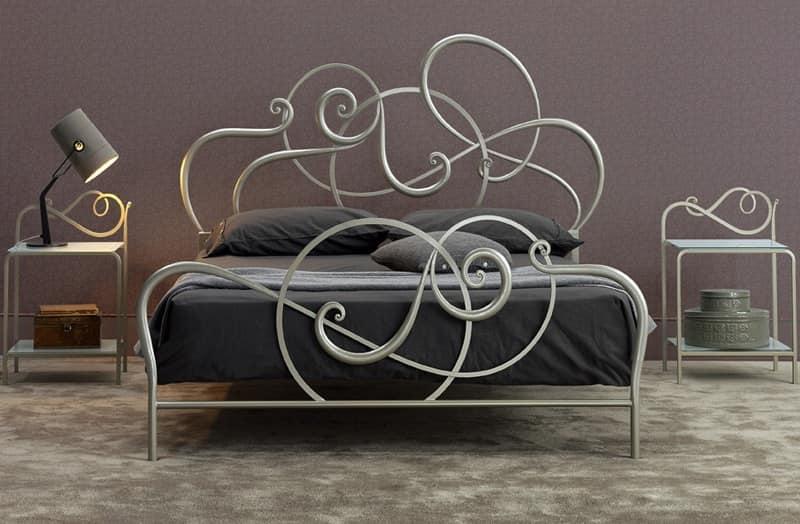Letto in ferro lavorato a mano disegno morbido idfdesign - Camera da letto ferro battuto ...