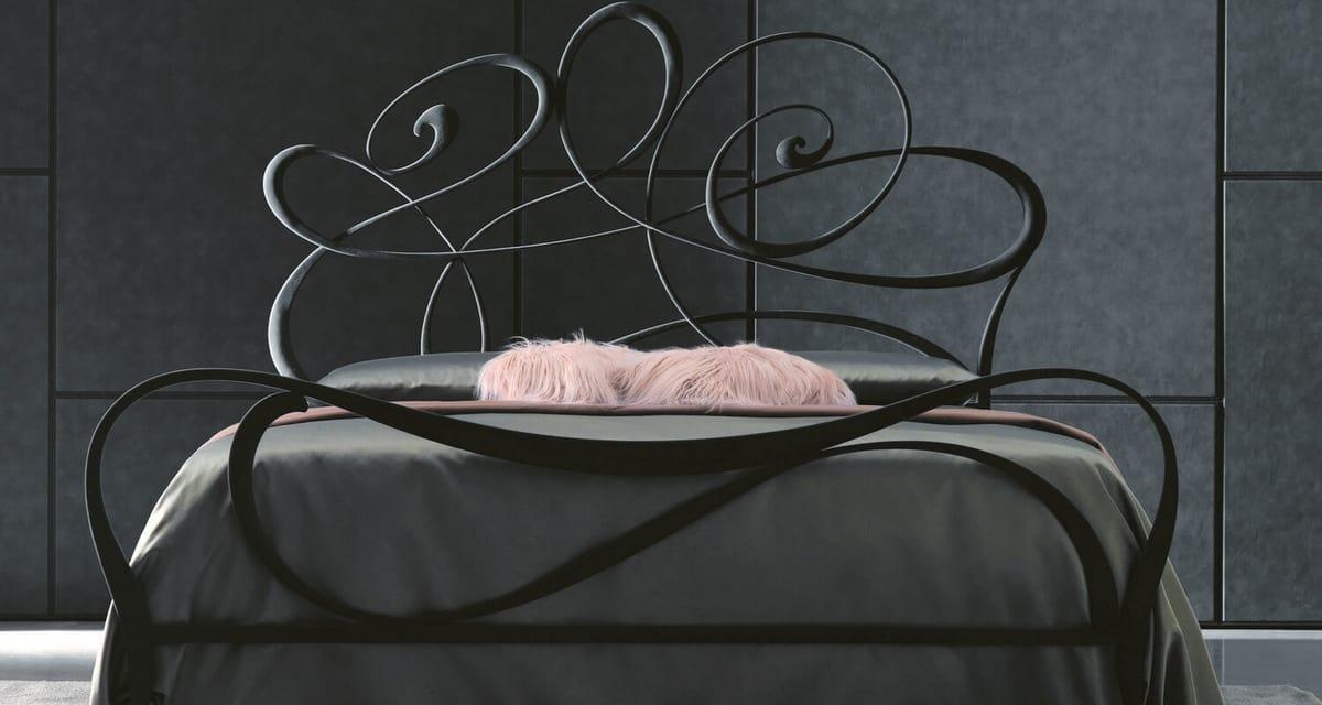Noemi Art. 951, Letto dalla linea giovane e romantica