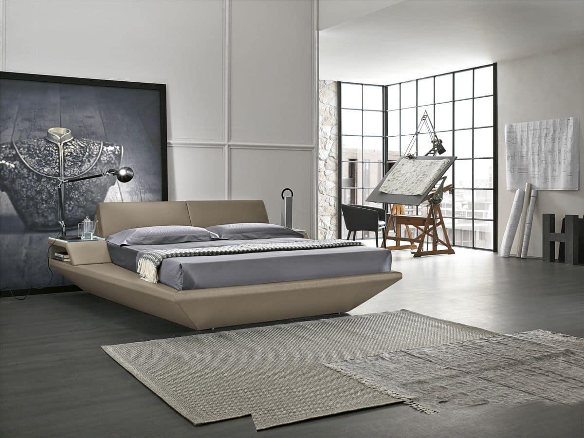 Letto matrimoniale con comodini imbottiti incorporati for Letti moderni design
