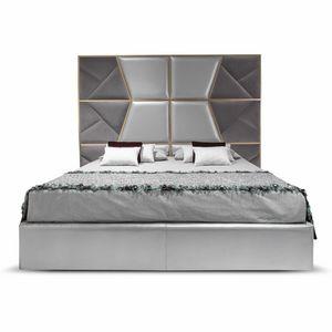 Mondrian, Letto con imponente testiera imbottita