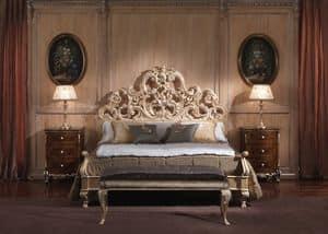 3660 LETTO, Letto in stile Barocco, per camere di lusso, in legno finitura foglia oro patinata
