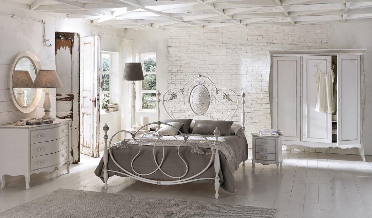 Letto matrimoniale in alluminio per camere classiche for Camere di letto matrimoniale
