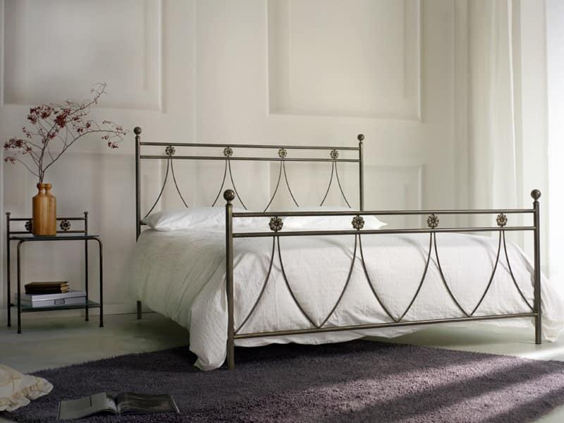 Letto matrimoniale classico in metallo, per Camera da letto | IDFdesign