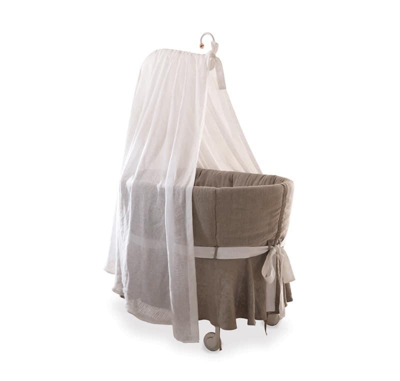 Culla con base in ferro con ruote rivestita in lino for Lettini per bambini
