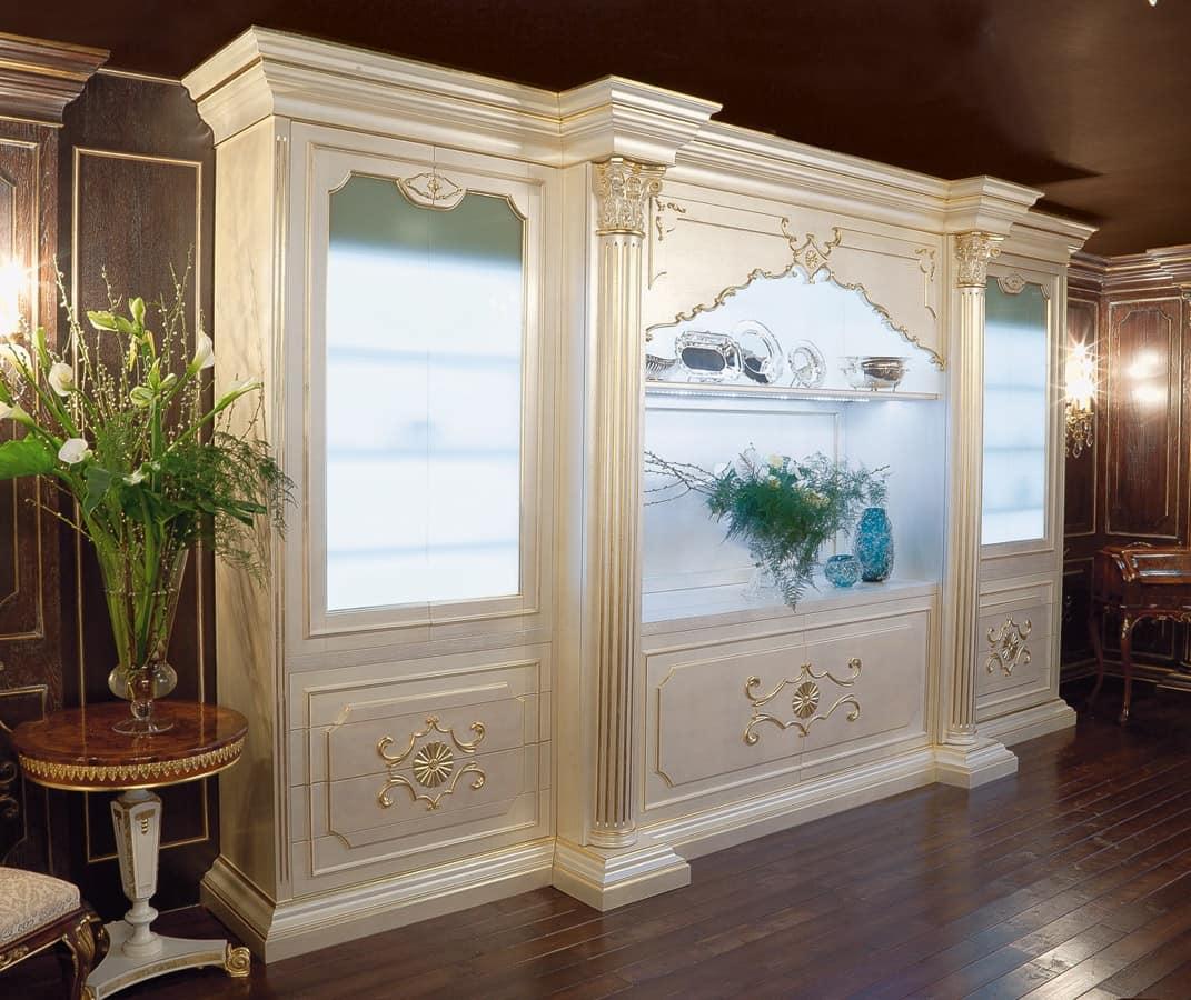 Sala Da Pranzo In Stile Barocco Con Tavolo Sette Sedie E Mobile Nelle  #485E23 1071 900 Sala Da Pranzo Stile Barocco Moderno