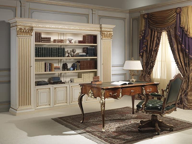 Imponente libreria in legno intagliato a mano, in stile classico  IDFdesign