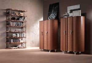LB31 Mistral, Libreria impiallacciata in noce canaletto, supporti in bronzo