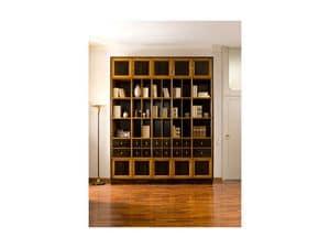 Piccola libreria in legno decorazioni in foglia oro per for Arredamento studio professionale