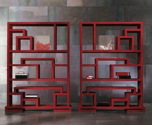 4402 Labirint, Libreria bifacciale in legno, dal design moderno