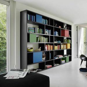 Modo M5C85, Libreria con contenitori colorati