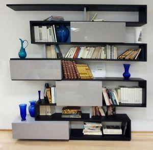 Serpentina libreria, Libreria con ante laccate