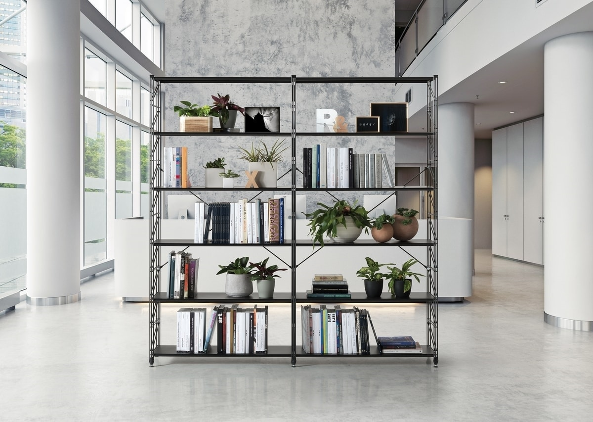 libreria in metallo con ripiani in vetro temperato idfdesign
