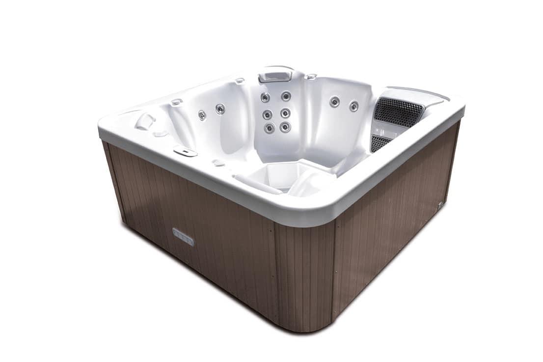 Mini piscina con idromassaggio per giardino idfdesign for Mini piscine design