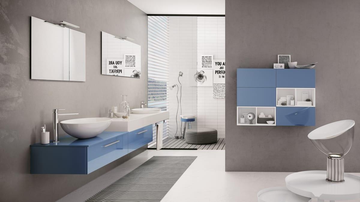 Arredo bagno con mobile blu lucido idfdesign for Mobile bagno blu