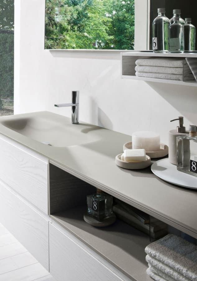 Armadio da bagno con piano in cristallo sabbiato idfdesign for Armadio da bagno