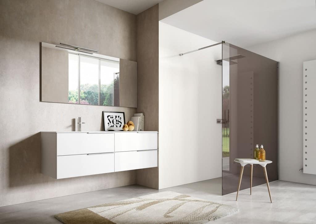 Mobile per bagno in laccato bianco con due lavabi integrati idfdesign for Mobili bagno con due lavabi