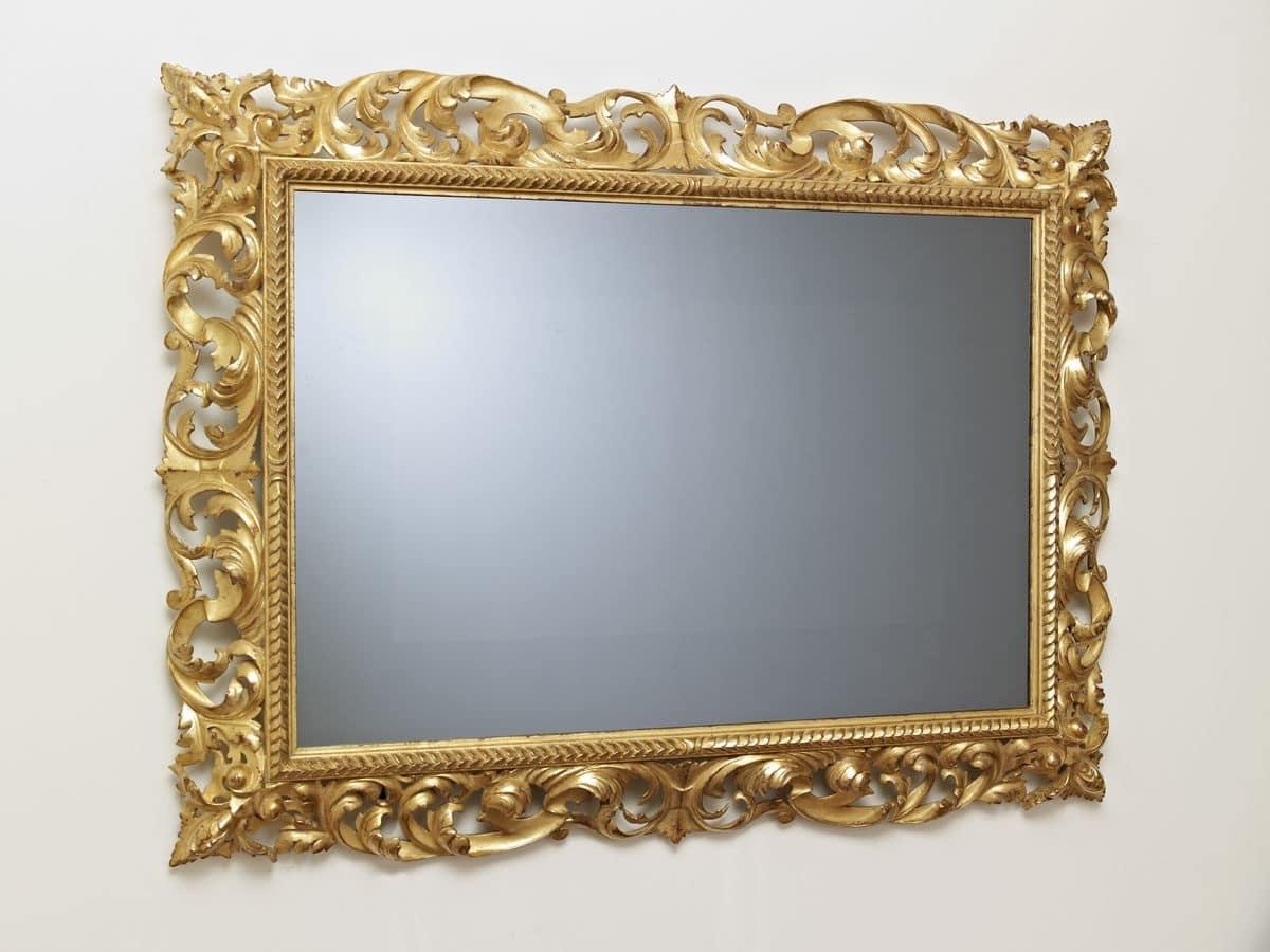 Cornice intagliata classica per salotti di lusso idfdesign for Cornici per 3 foto