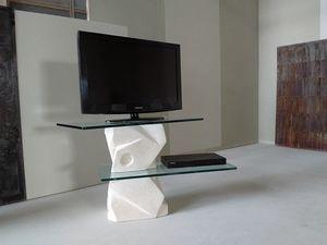 Samurai porta TV, Porta tv in pietra scolpita
