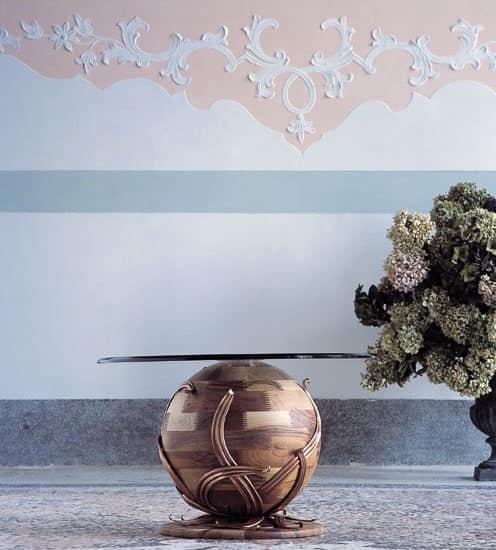 Zeus, Tavolino a base sferica in noce massiccio, piano in cristallo