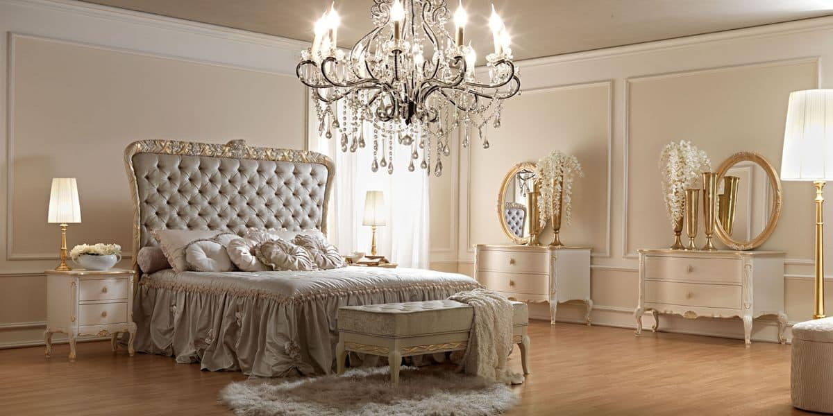 Panchetta in stile classico in legno intagliato a mano per camera da letto idfdesign - Camere da letto classiche di lusso ...